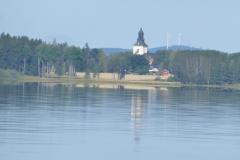 By-Kyrka-sett-från-Bysjön